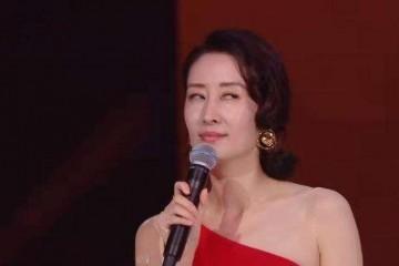 44岁刘敏涛教41岁刘涛跳女团舞表情到位动作销魂太搞笑了